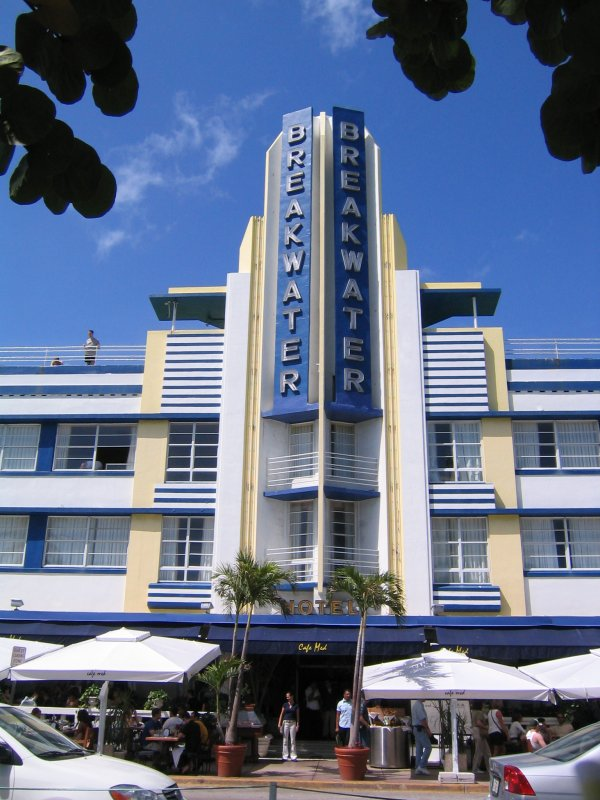 ysvlek art deco buildings in miami